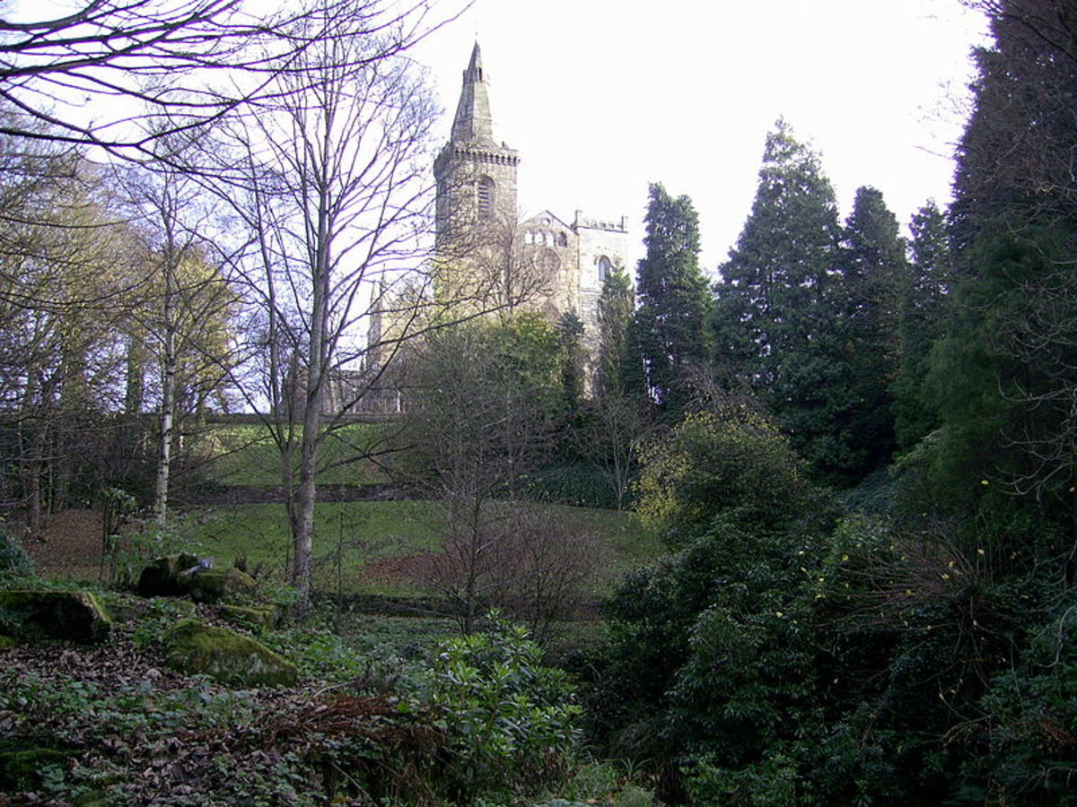 Dunfermline Abbey as seen from Pittencrief Park.