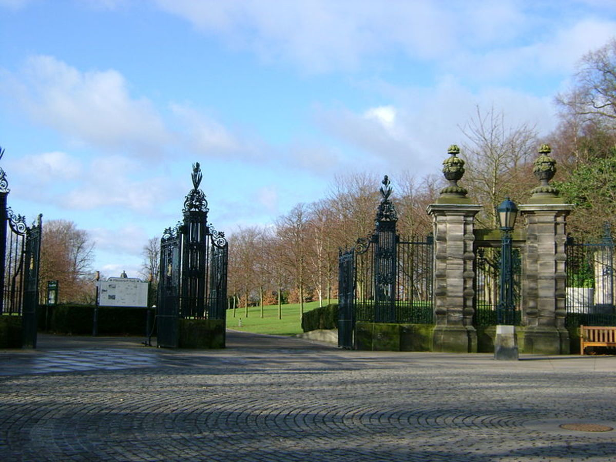 The entrance to the Glen (Pittencrief Park) and the LouiseCarnegie Gates.