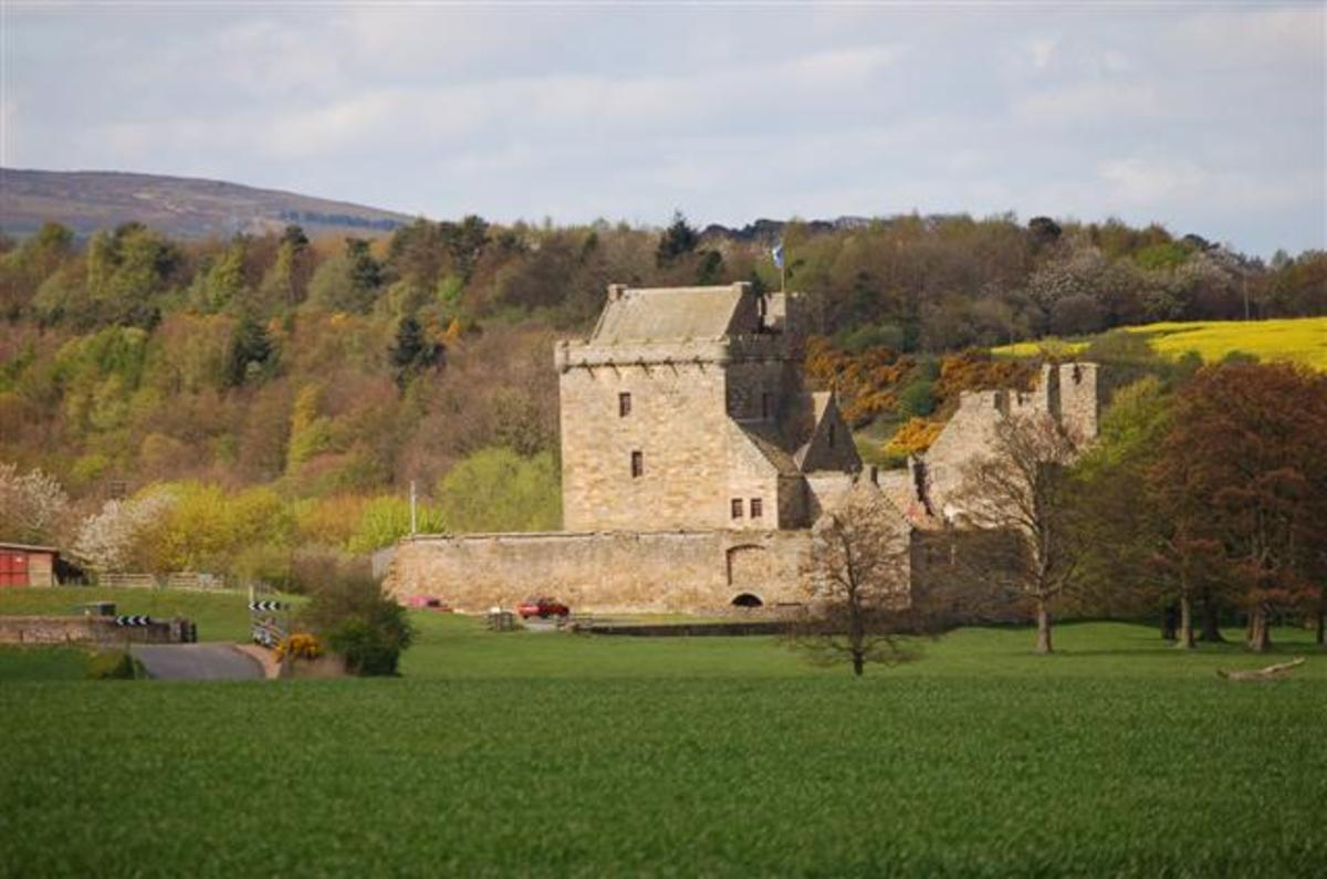 Balgonie Castle Fife has hundreds of years of history and drama - is that why the ghosts are still hanging around?