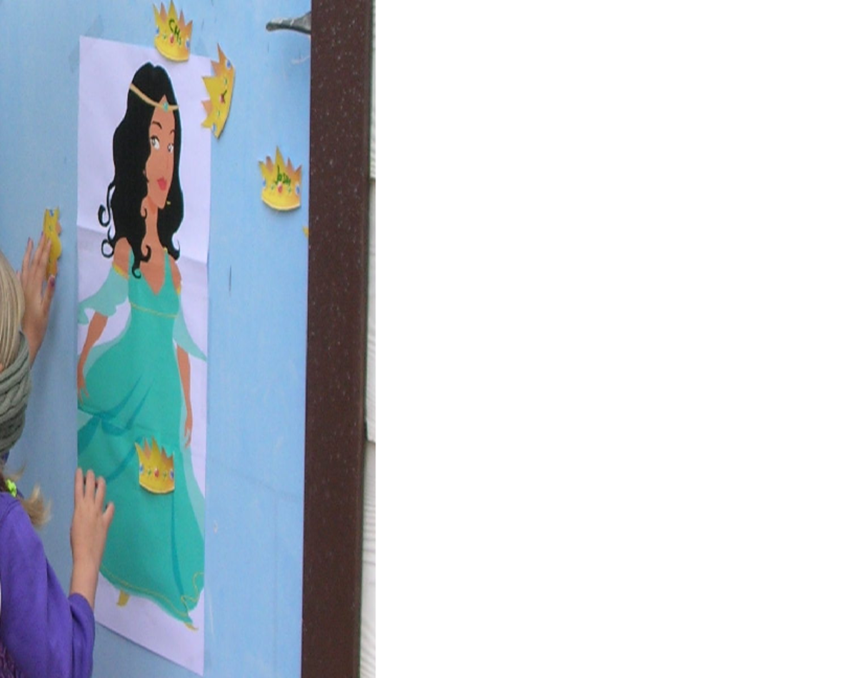 Pin The Crown on the Princess