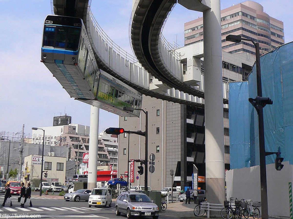 Mono rail in Chiba.