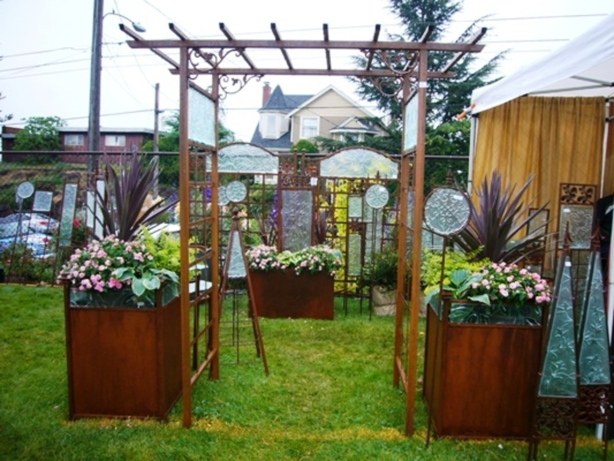Glass and Wood Trellis and Yard Art at the Edmonds Arts Festival 2011
