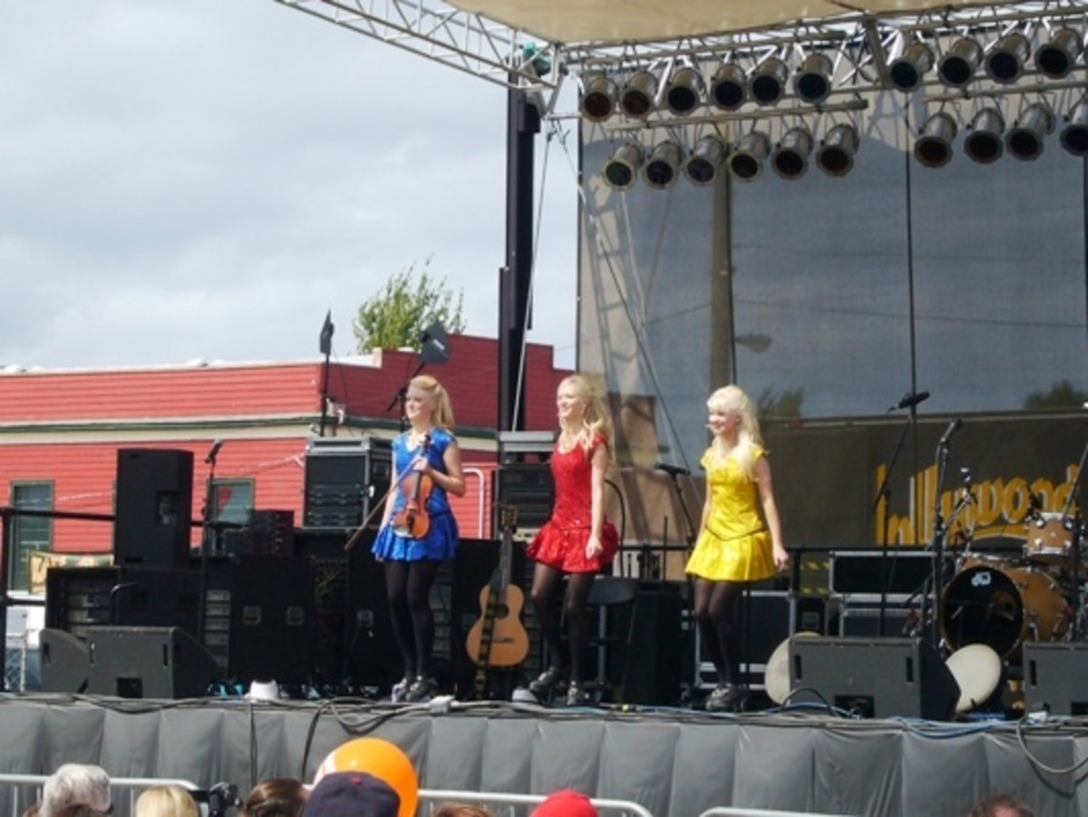 Great Entertainment - Edmonds own Gothard Sisters