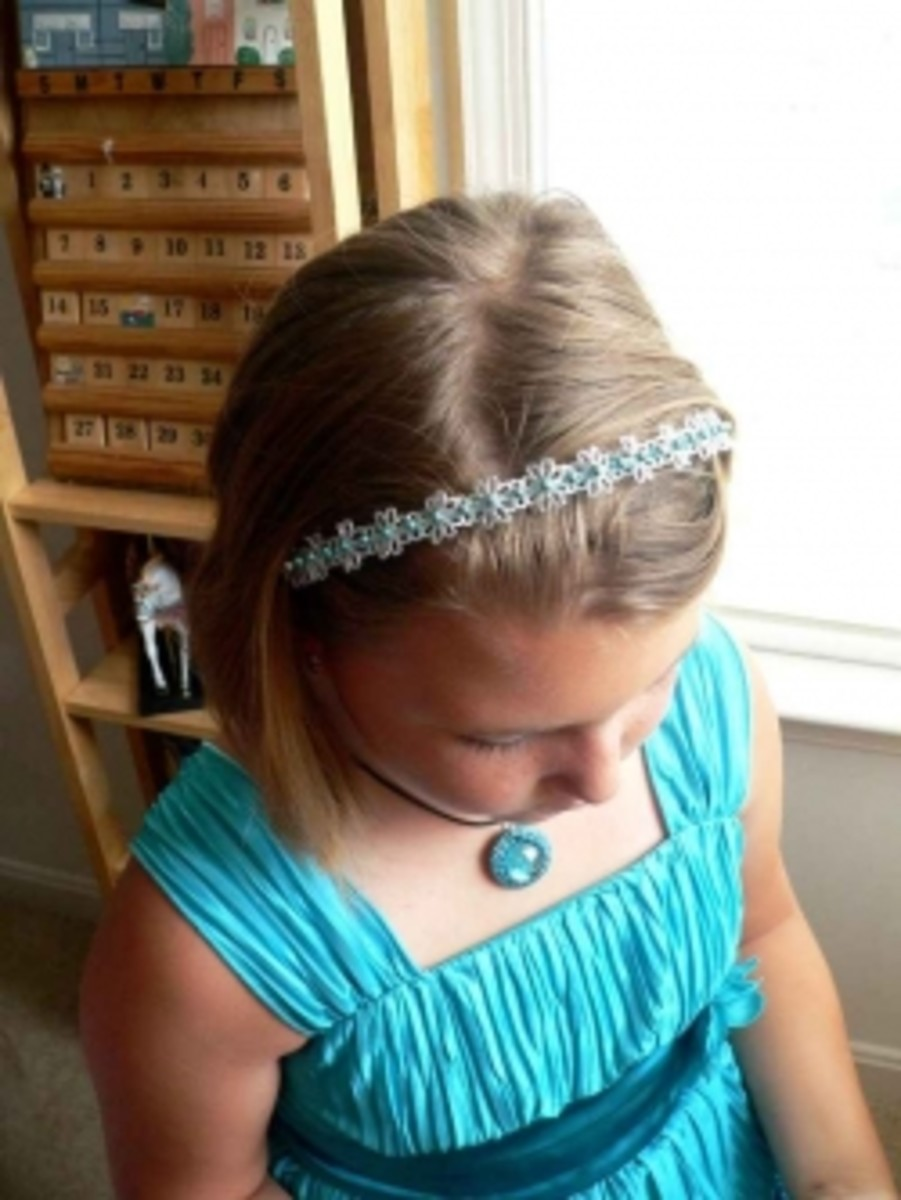 Jewelry for Kids - blue gem pendant