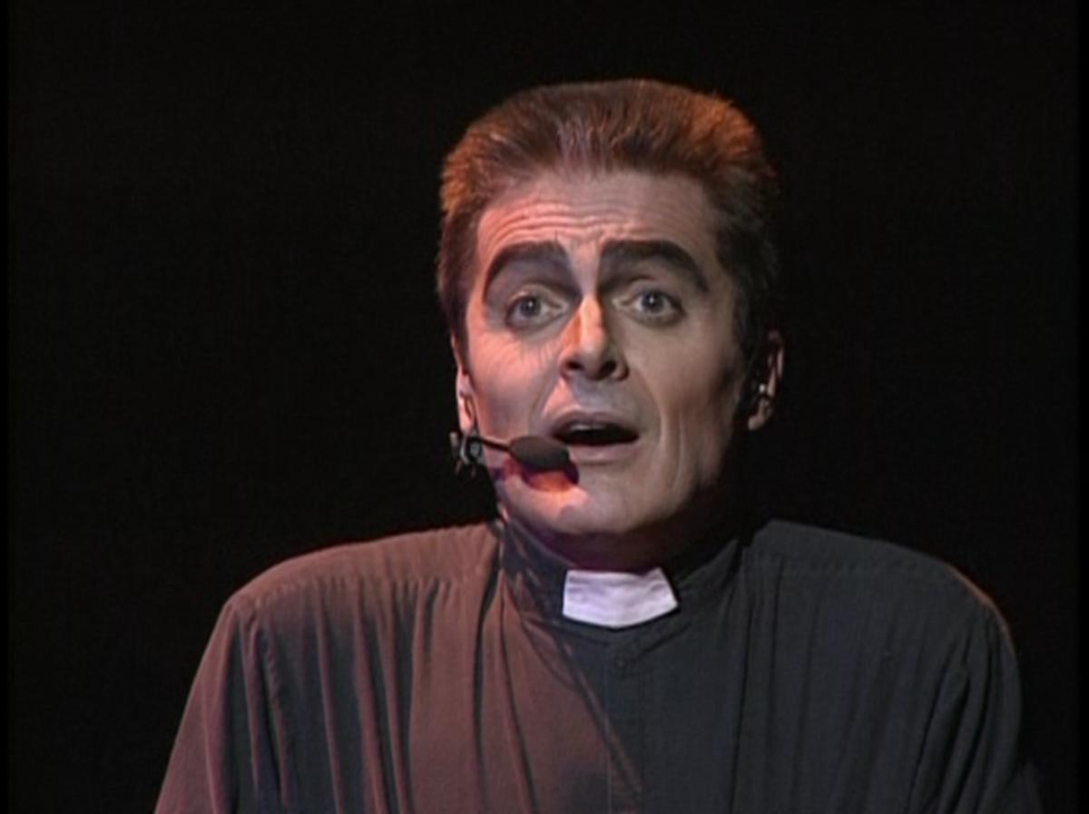 Daniel Lavoie as Claude Frollo singing Etre Pretre et Aimer une Femme