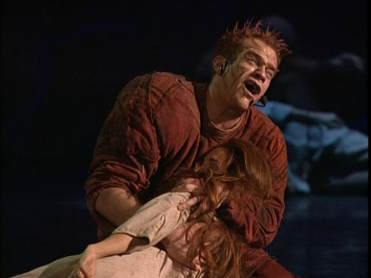 Garou as Quasimodo singing Danse Mon Esmeralda to Helene Segara as Esmeralda