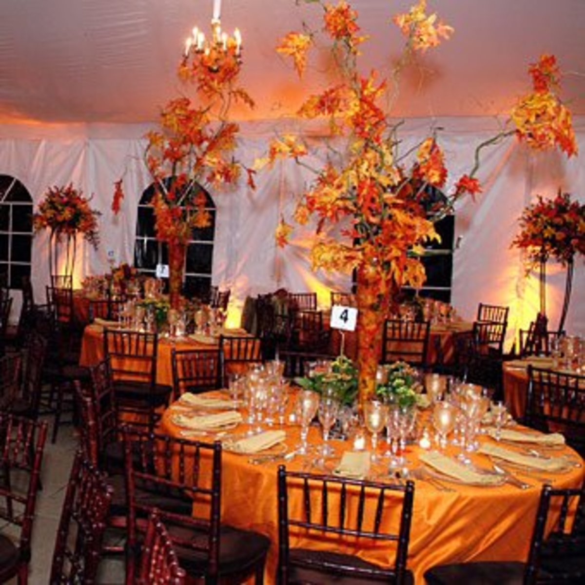 Fall Wedding Ideas: Decorations, Favors, and Dresses