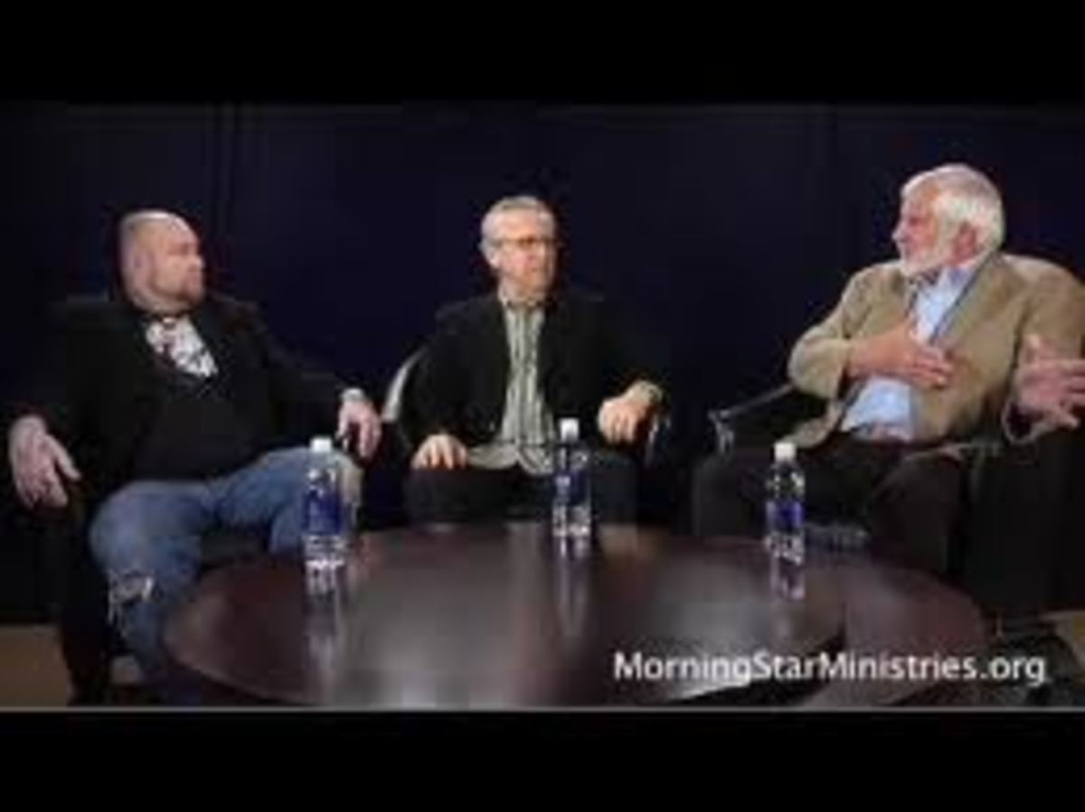 Todd Bentley (works with demon goddess Emma-O) and Rick Joyner (Knight of Malta- sworn to infiltrate and destroy churches and governments on behalf of Rome) flank Bill Johnson.