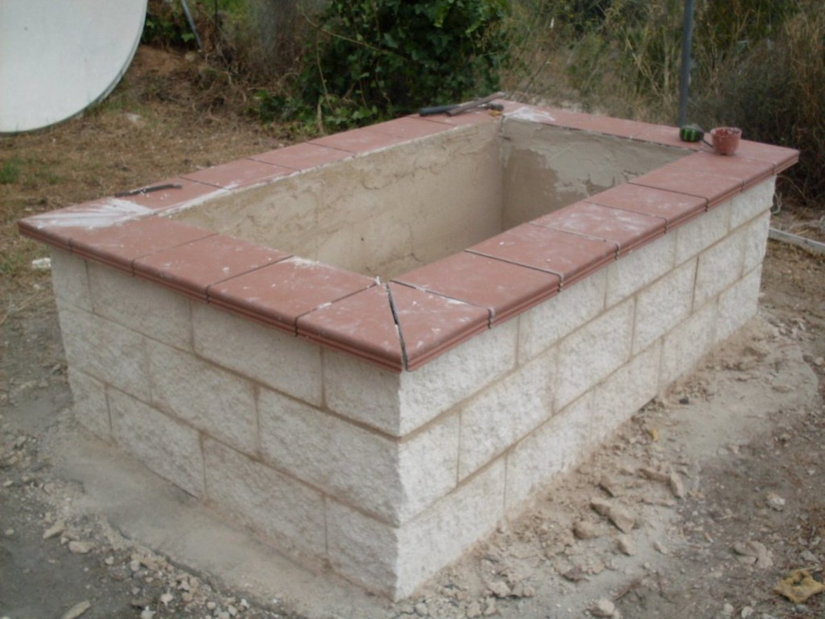 How to Build an Ornamental Raised Bed Garden