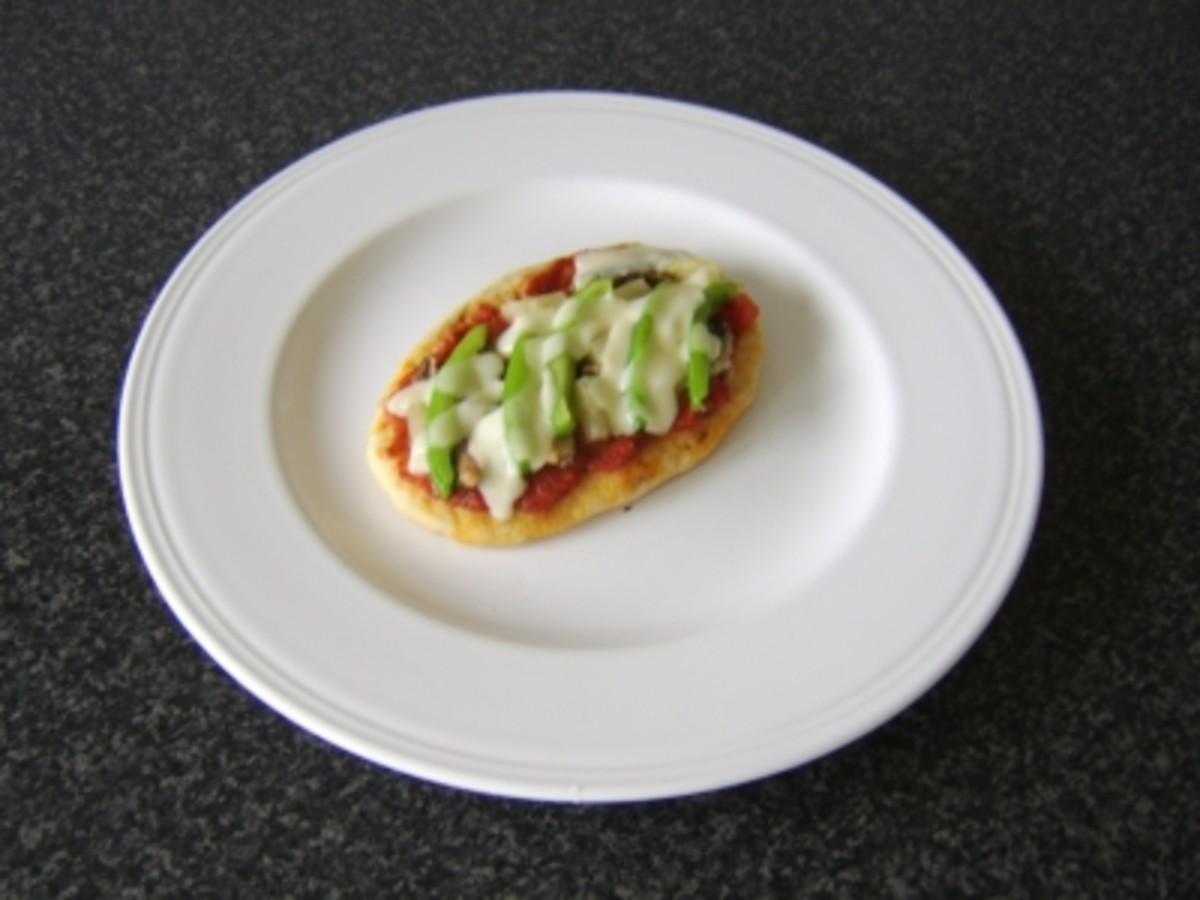 Sardine, Pineapple and Green Bell Pepper Mini Naan Bread Pizza