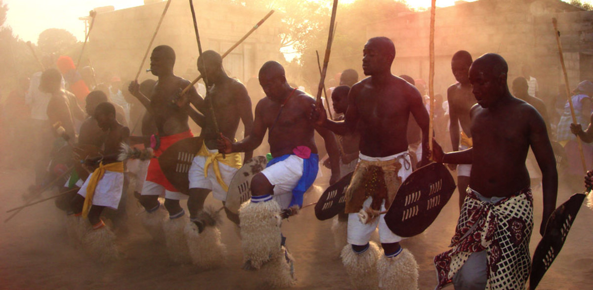 Shagaan Male dancers