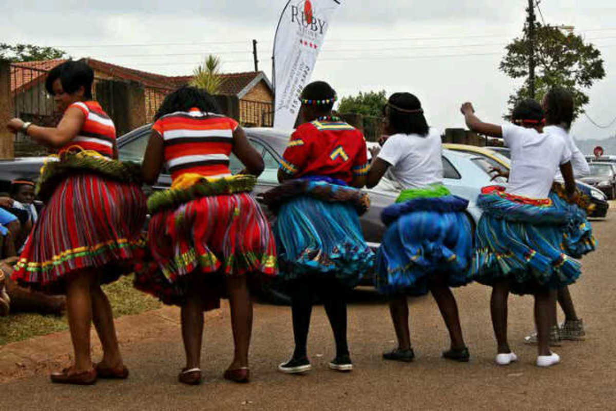 Shangaan women showing-off their swagg