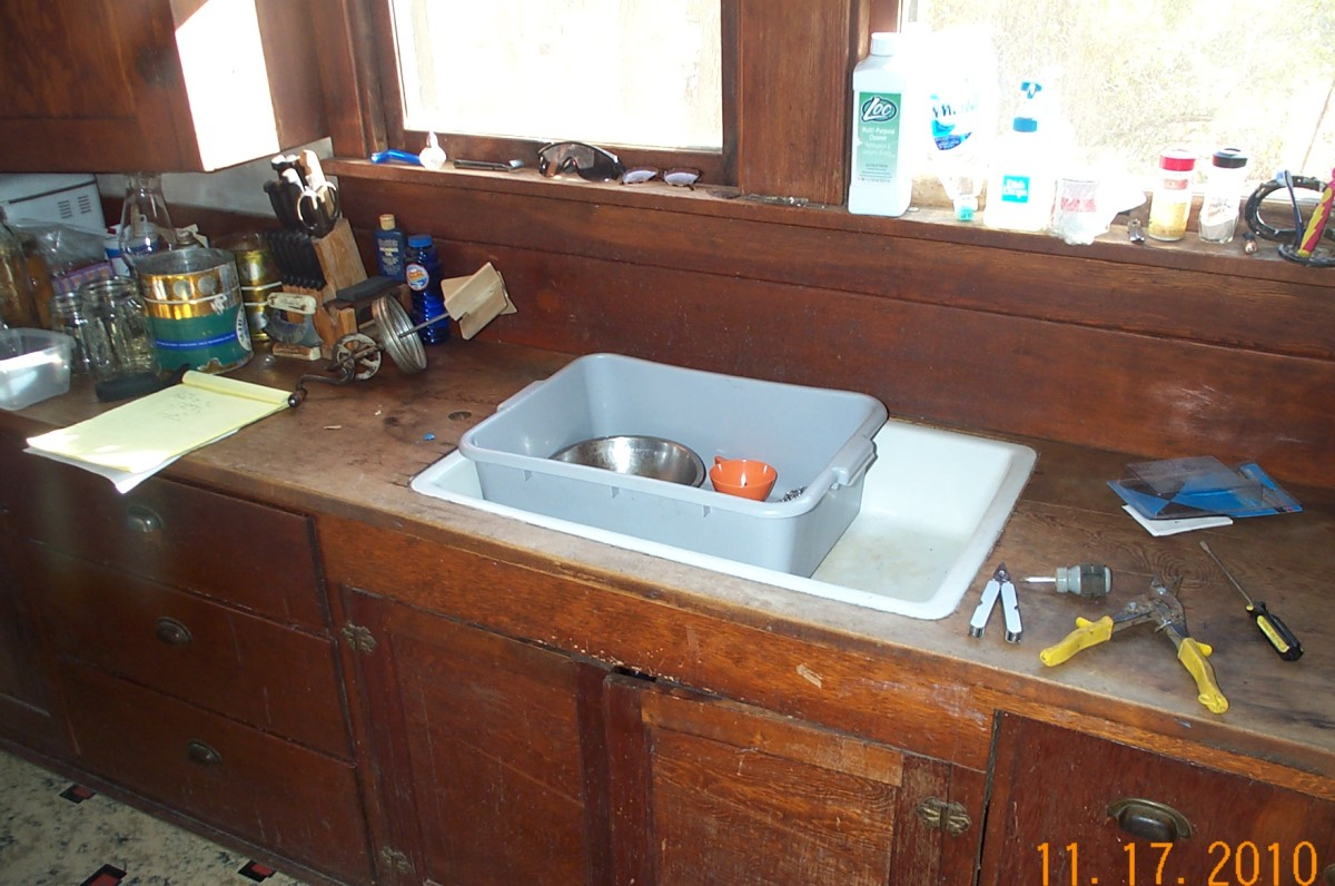 The sink has turned out to be excellent for a busy, rural lifestyle, being able to be used for dishes and other uses simultaneously . . .