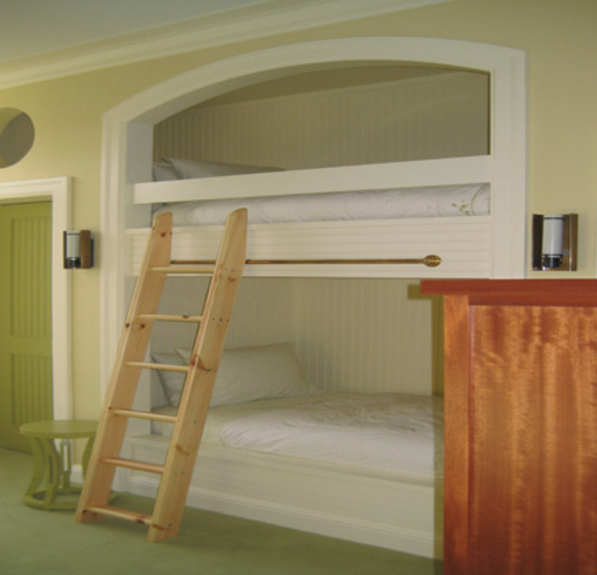 Bunk beds with bedboard