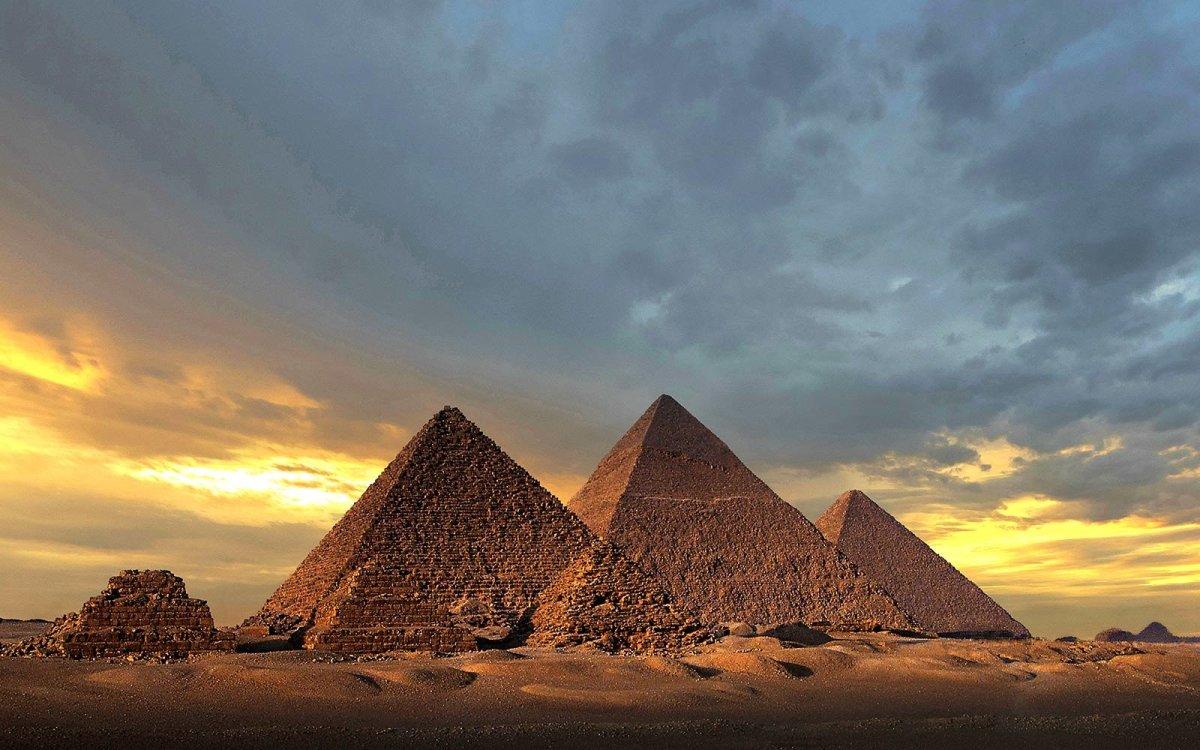 Giza Pyramids Egypt Seven Ancient World Wonders