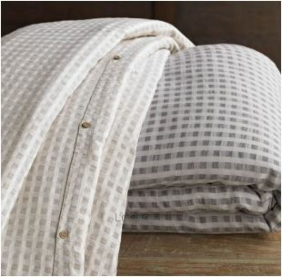 Duvet with buttons
