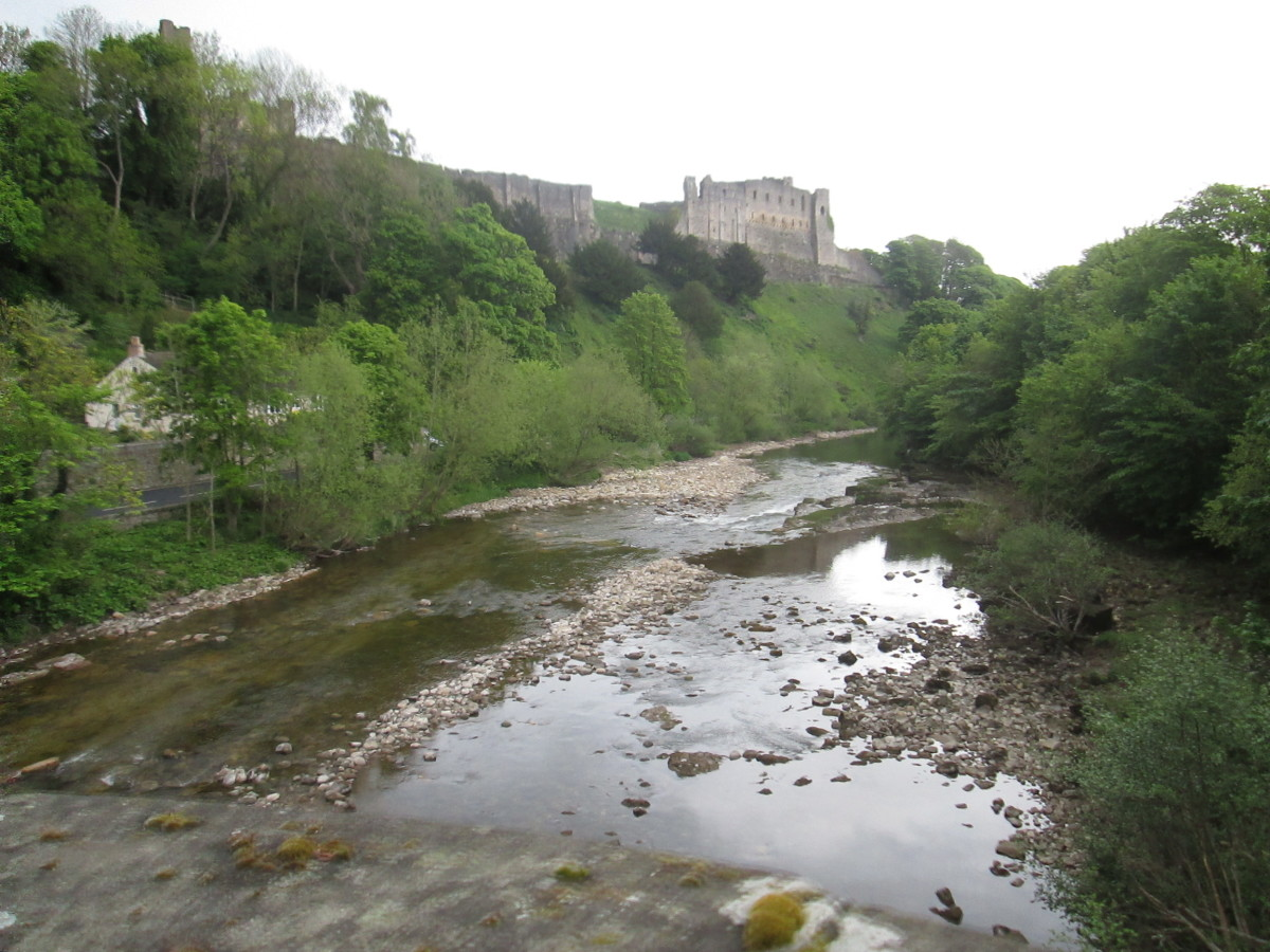The River Swale passes Richmond on its way around the wide bend towards Easby before turning south past Brompton