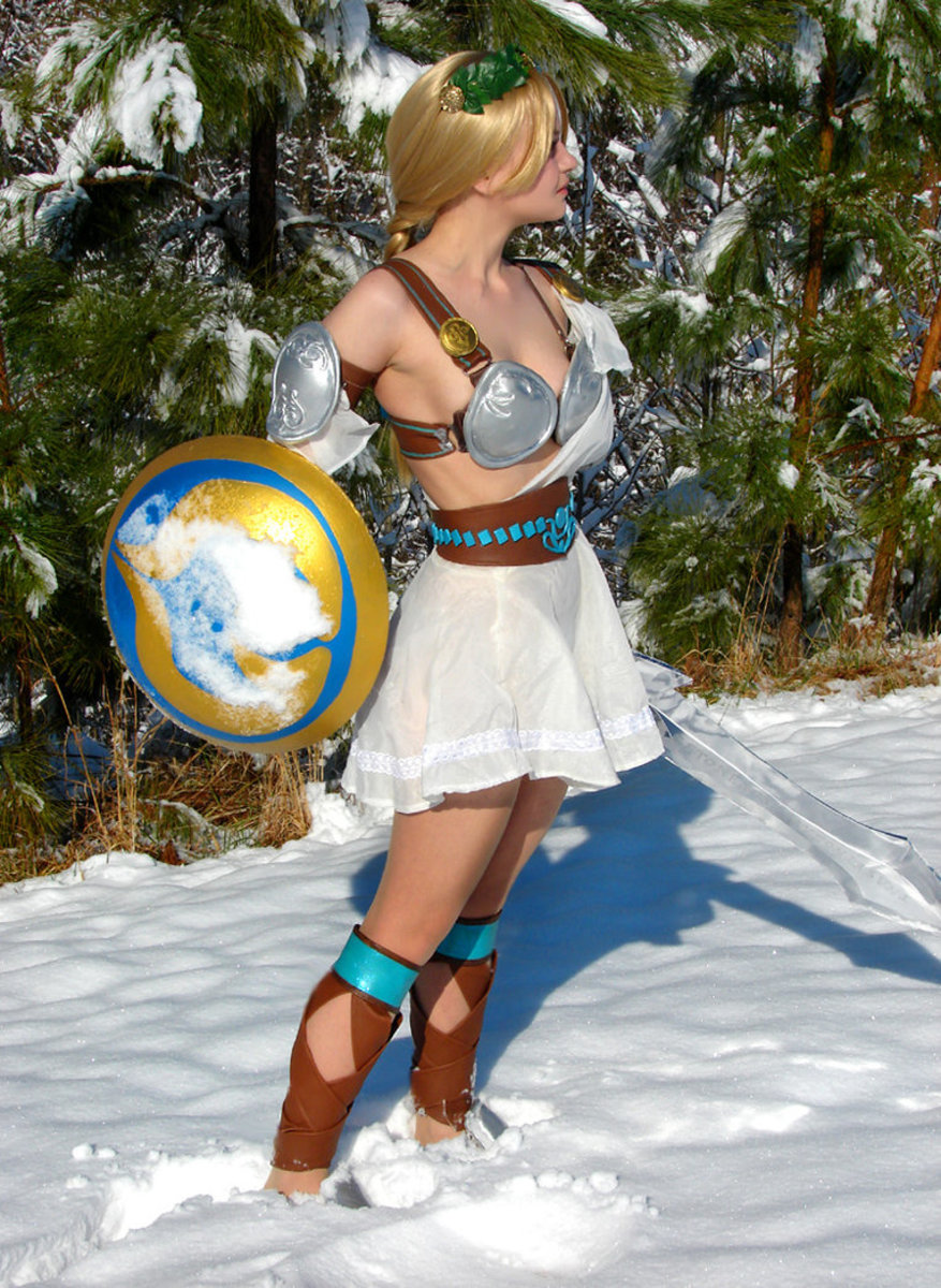 Sophitia out in the Snow.
