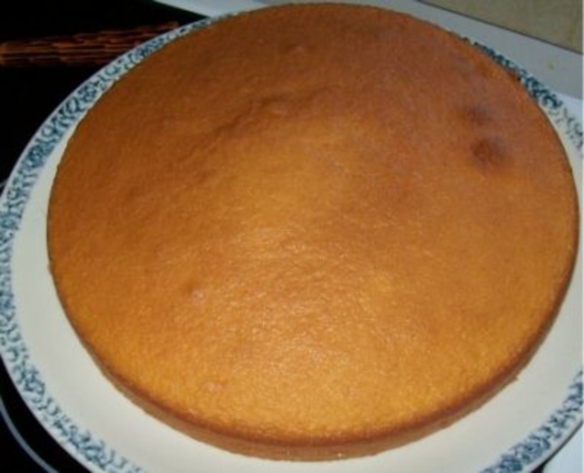 Lemon Cake with Lumps and Peaked Center