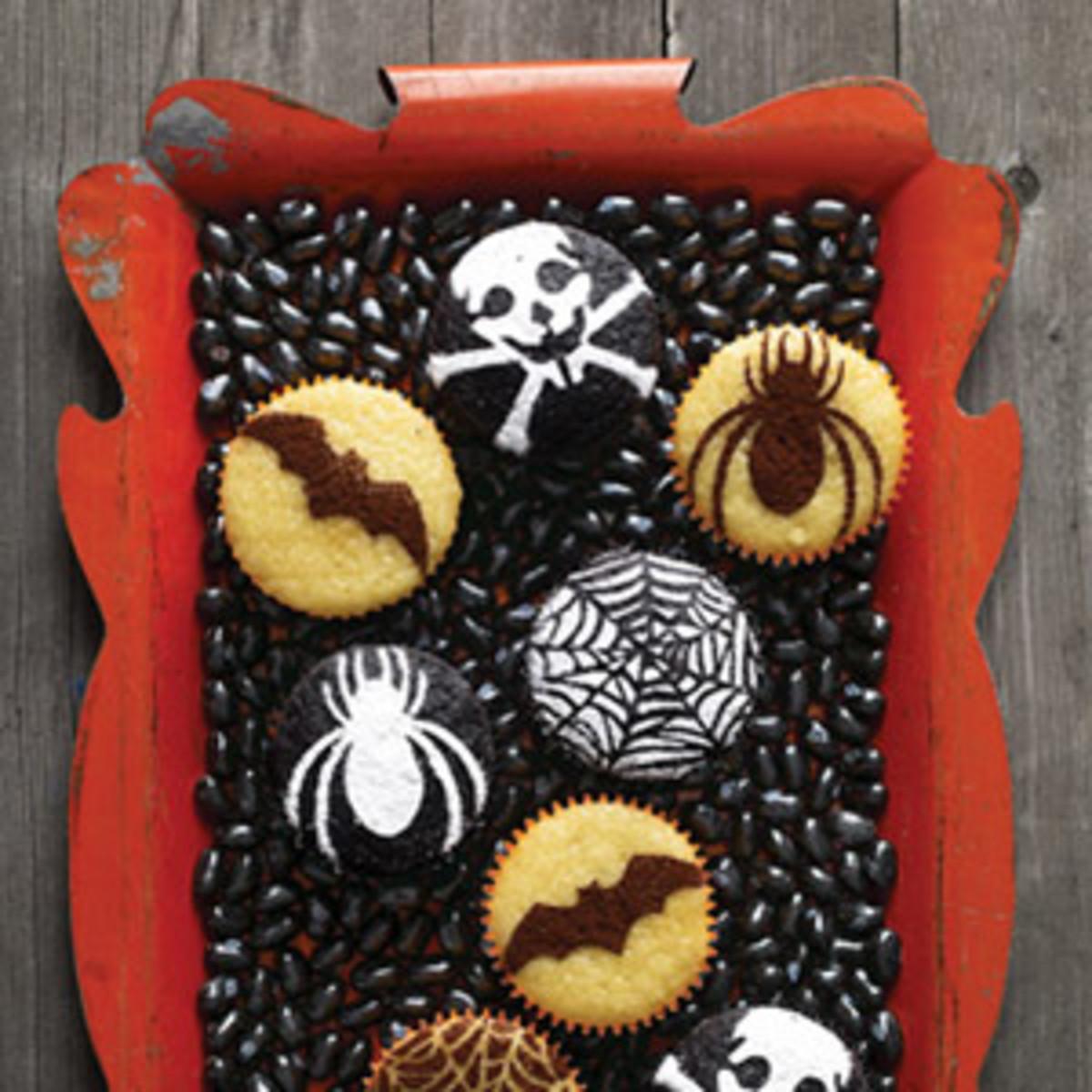 Easy Halloween Cakes & Cupcakes
