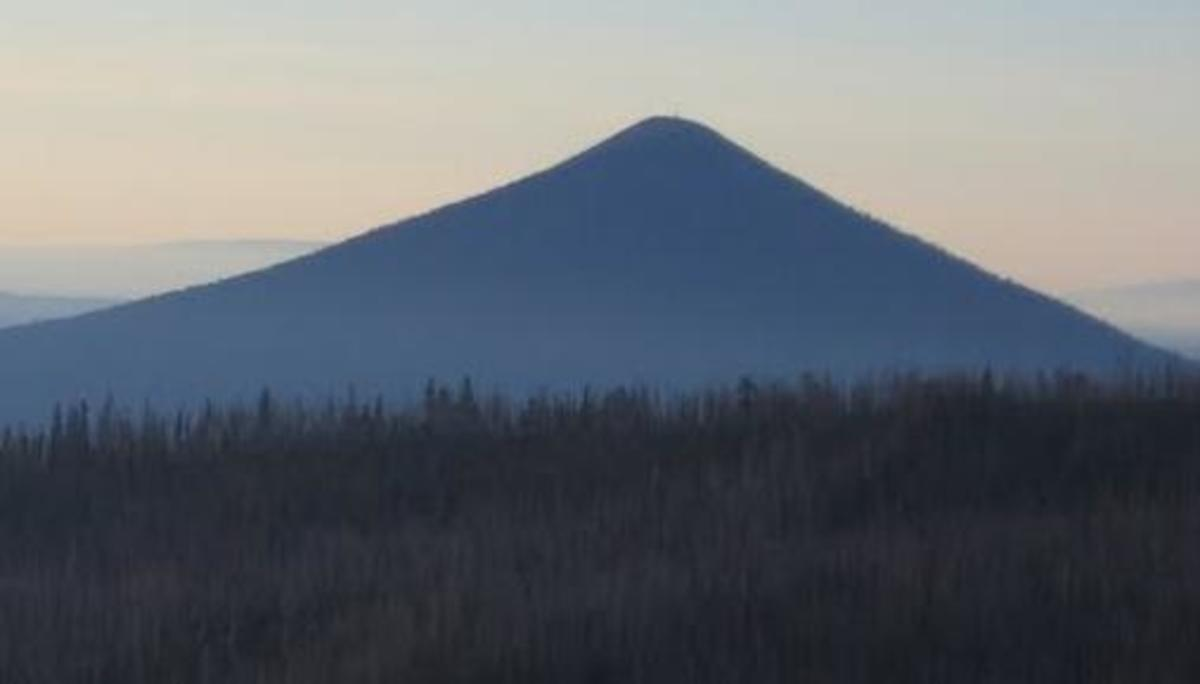 Seen above is Black Butte, with a nearly 7000 foot (above sea level) summit  Below is Mt Washington with a similar elevation. The two peaks are located about ten miles apart and illustrate the different climates of western and eastern Oregon.