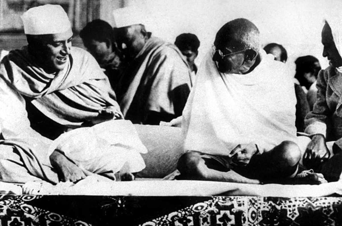 Mahatma Gandhi y Pandit Jawaharlal Nehru