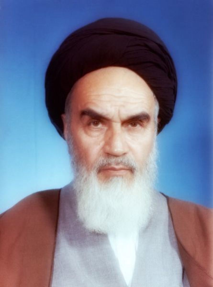 Official portrait of Grand Ayatollah Ruhollah Khomeini