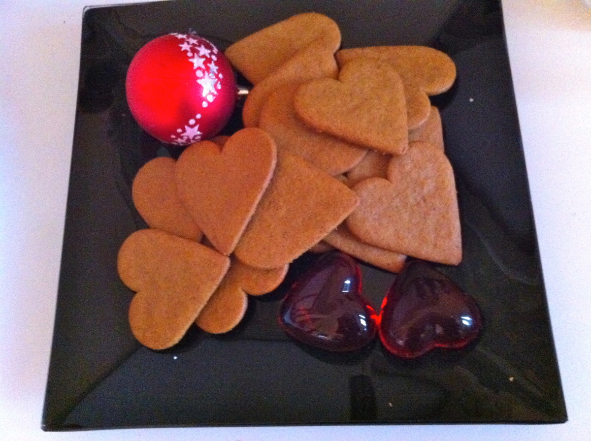 Scandinavian style Ginger thins or Gingerbread biscuit, tasty accessories, recipe and history