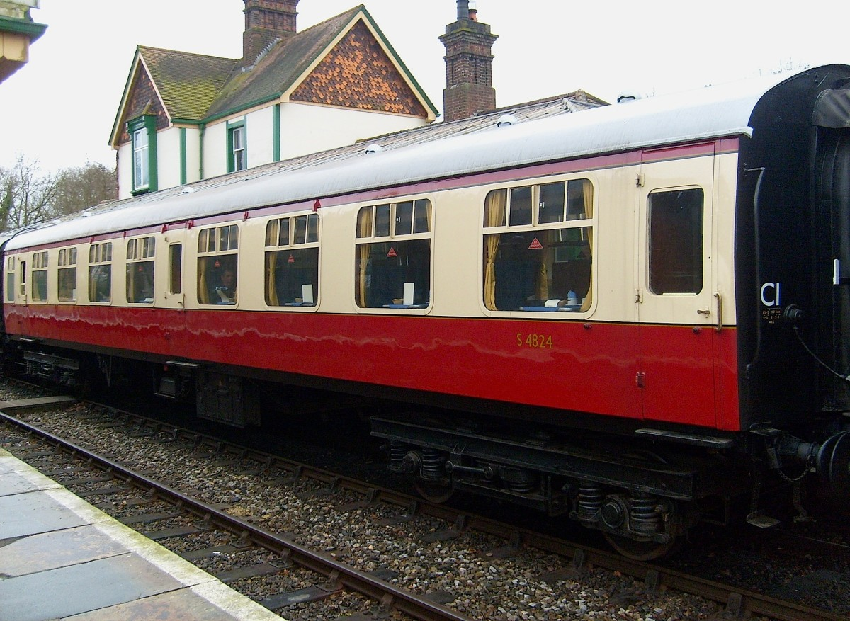 Crimson & Cream Mark 1 stock - Southern. In 1948 new and old stock received uniform crimson & cream paint scheme, later Southern and Western regions reverted to pre-Nationalisation colour scheme, Southern to green, Western to coffee and cream,