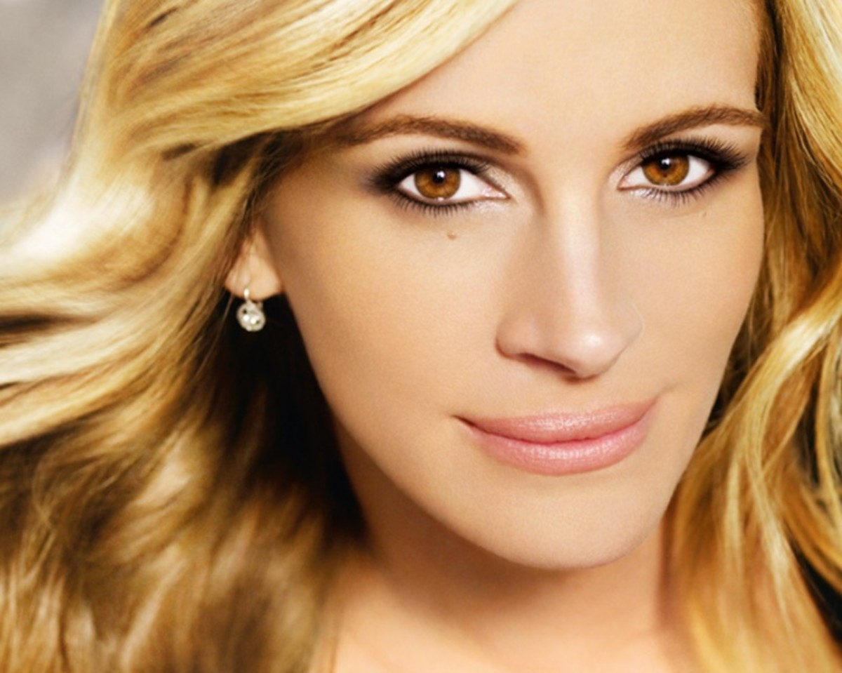 This photo of Julia Roberts for a Lancome ad shows how light brown eyes can complement lighter-colored hair.