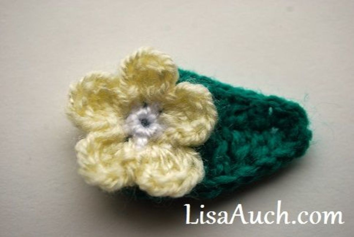 Small crochet flower