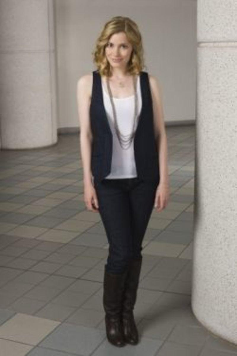 Britta Perry (Gillian Jacobs) Atheist