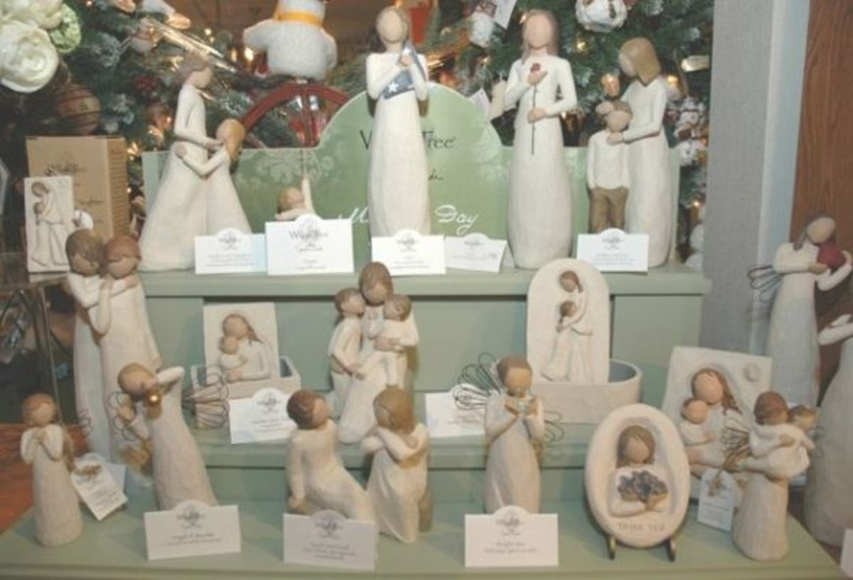 willow tree figurines display