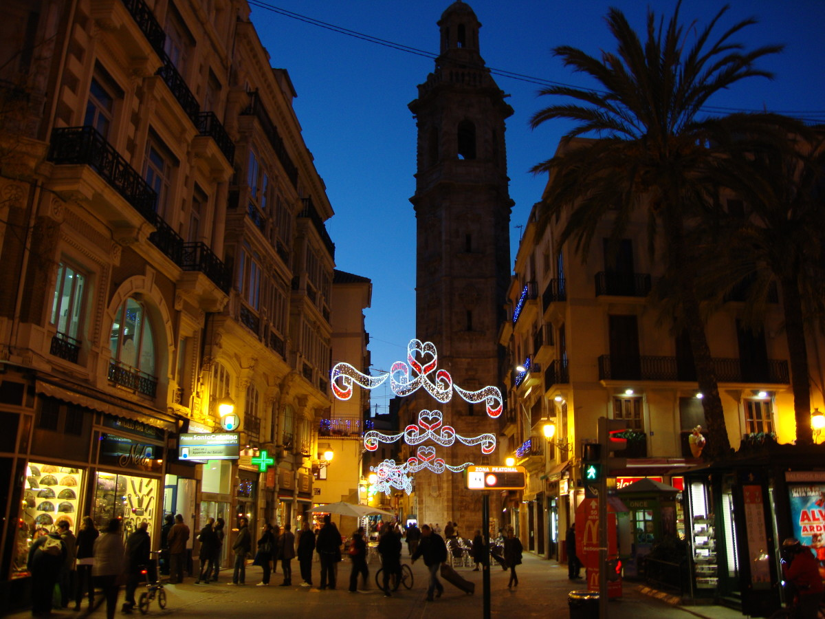 Welcome to Valencia in Winter! Get Ready for the Lights!