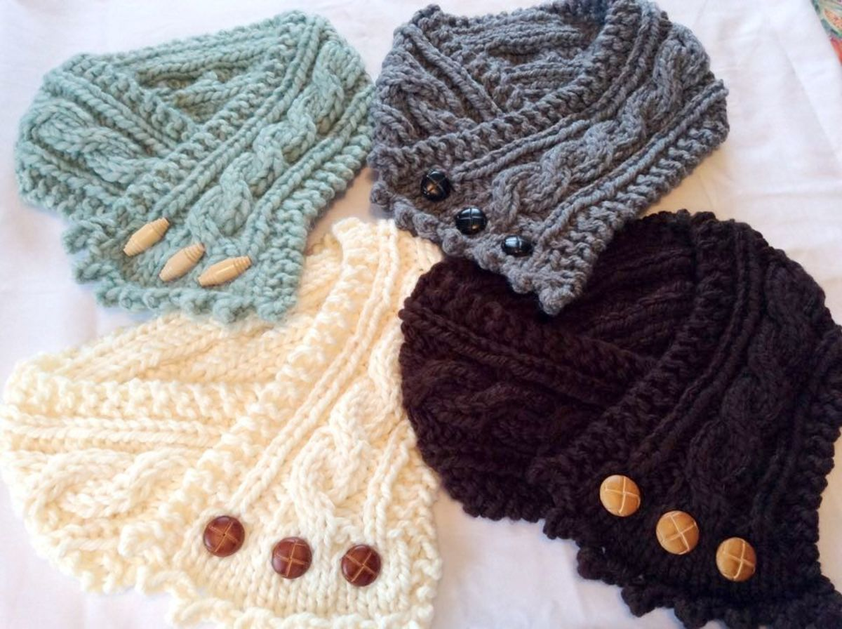 Cabling in the middle section of these neck scarves adds visual appeal.