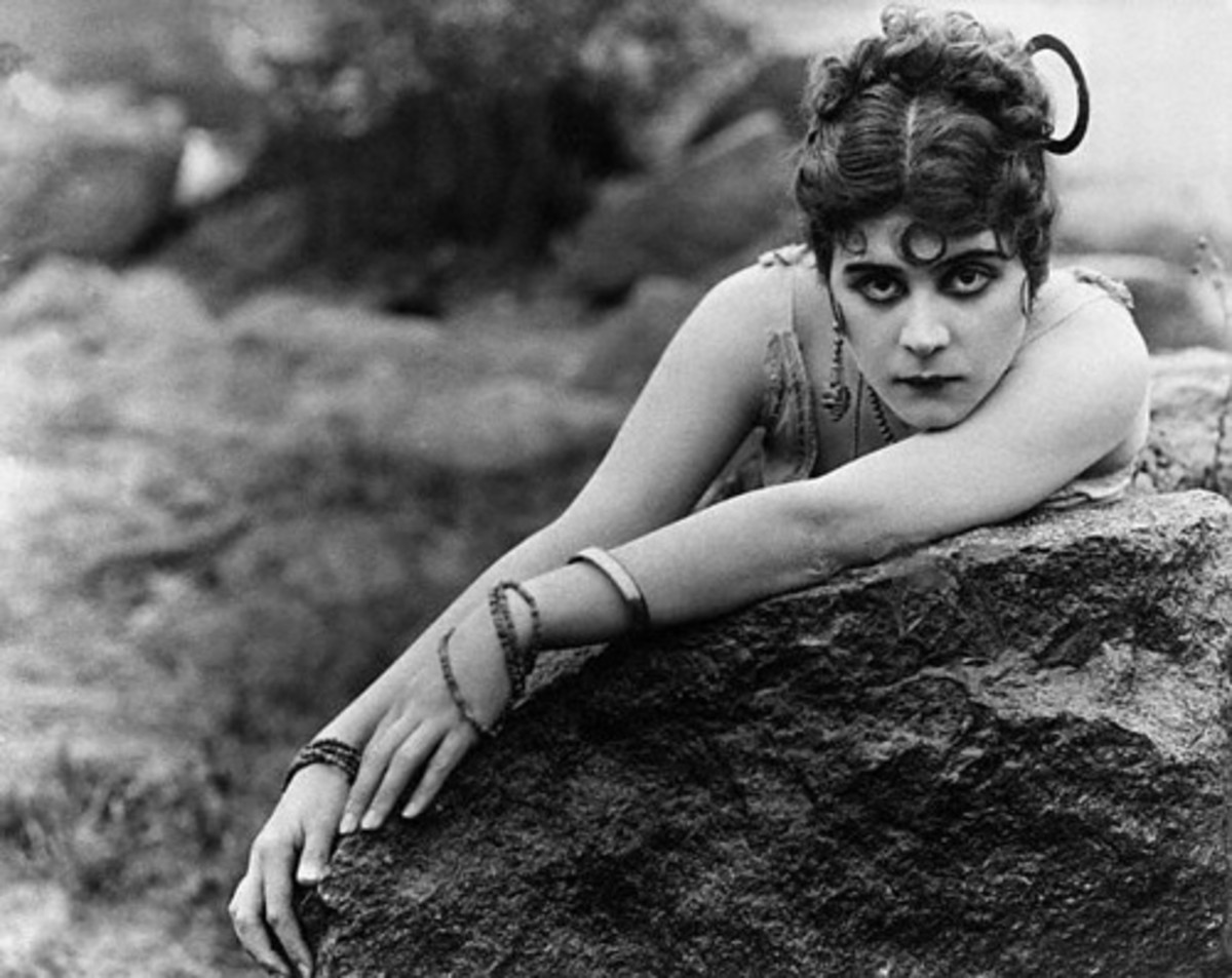 Theda Bara, silent film star, named for Theodosia