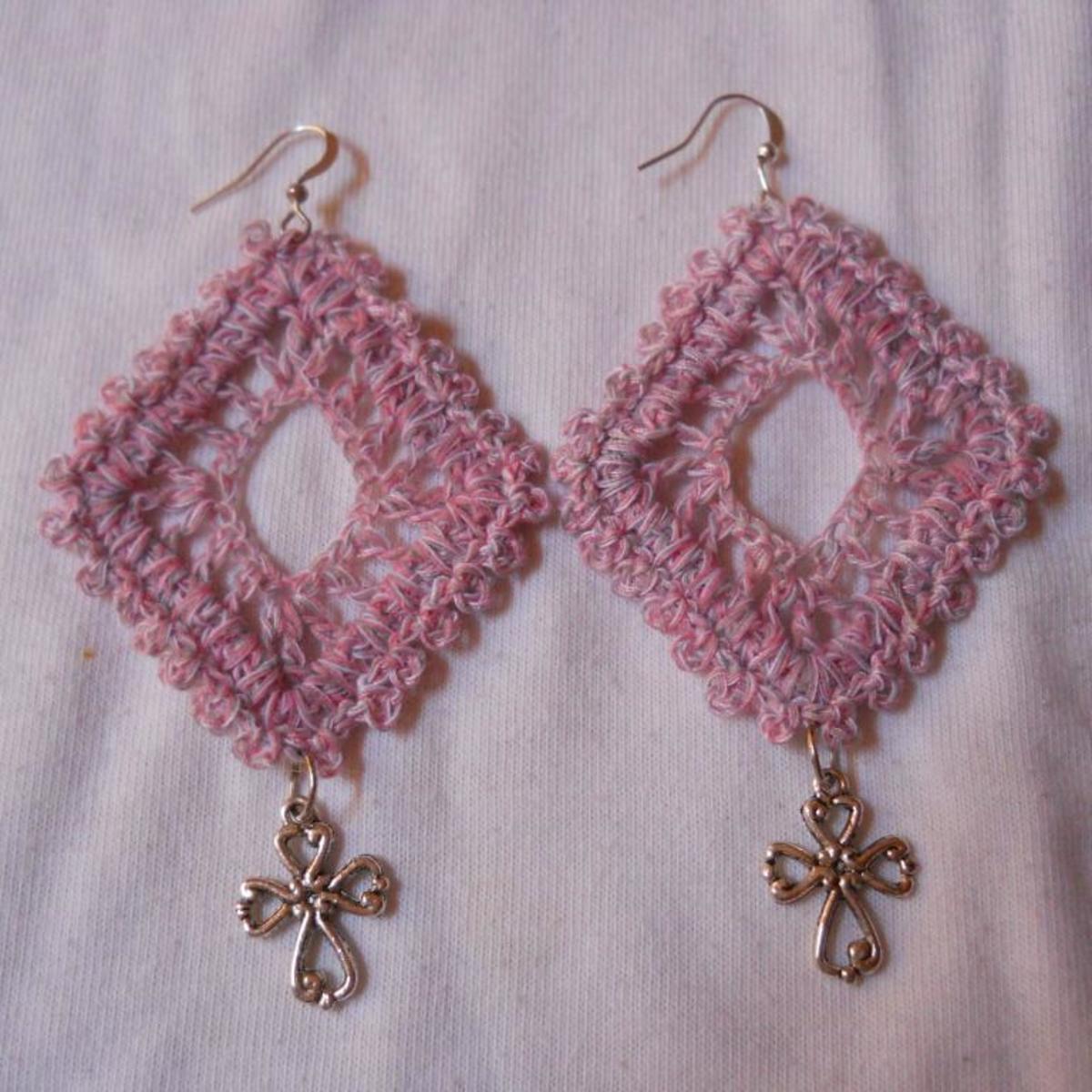 crochet-diamond-earring-3
