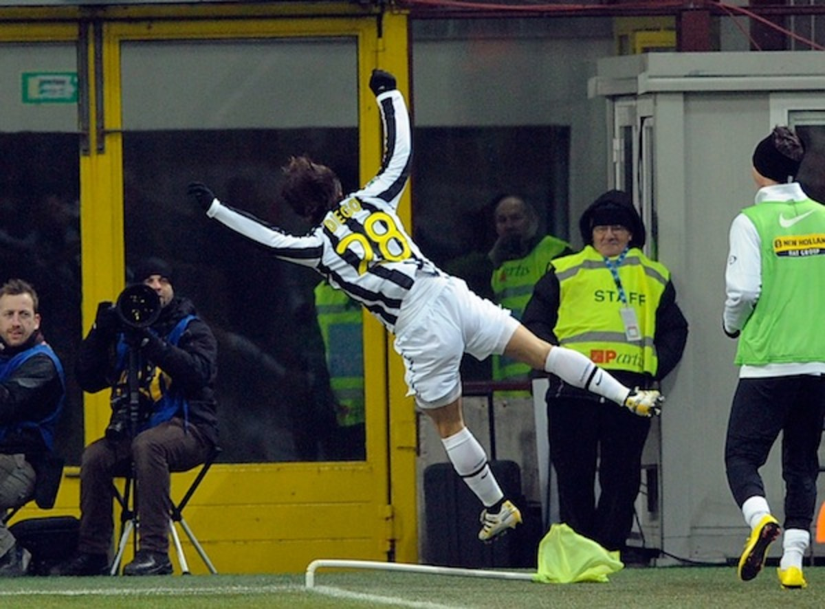 the-top-10-best-corner-flag-celebrations-in-football