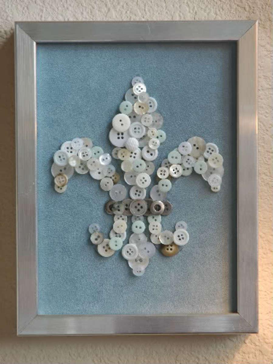 Fleur de lis button art