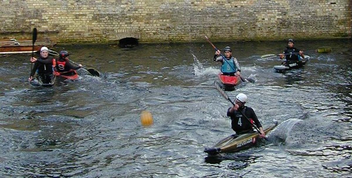Canoe Polo practice on the River Cam