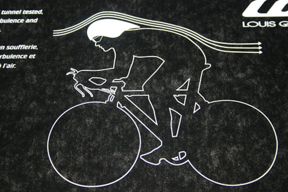 The air channelling effect of an aero bike helmet during a cycling time trial or triathlon
