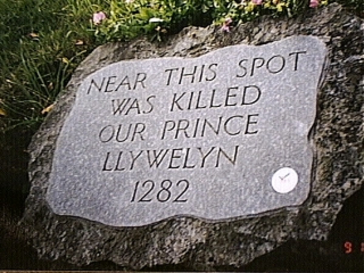 The Monument at Orewin Bridge, marking where Llywelyn met his end.
