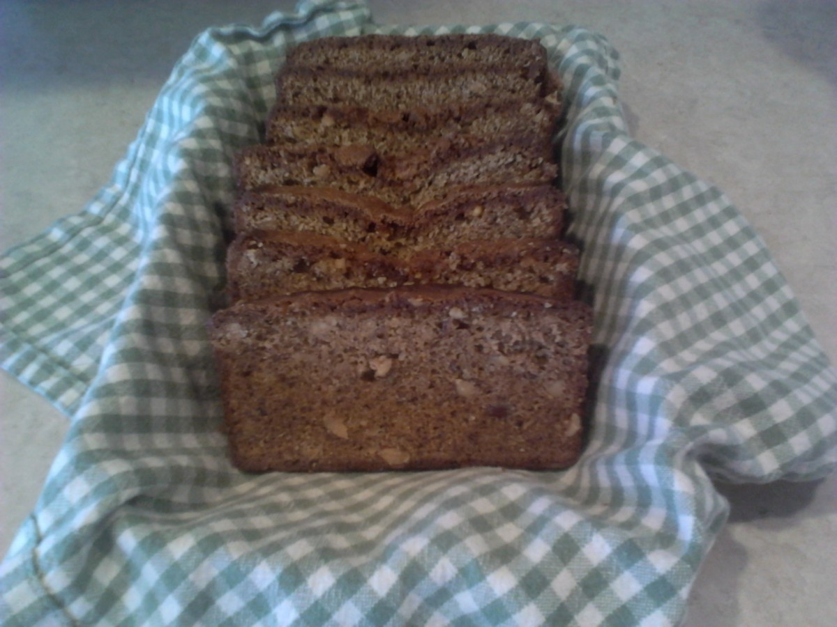 World's Best Banana Nut Bread Recipe EVER!!