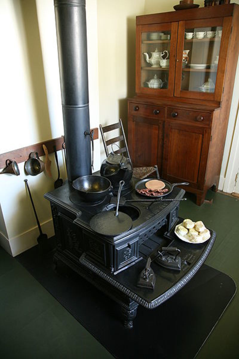 Old Fashioned Lincoln Stove