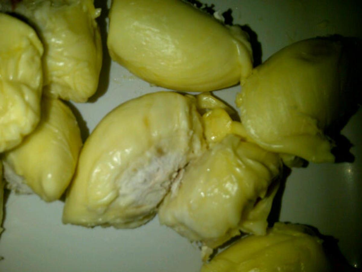 enjoy-durian-feast-savely