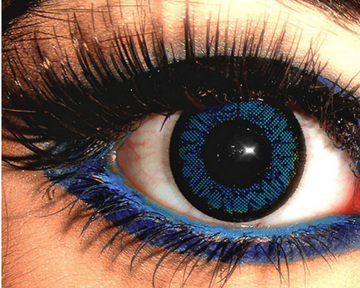 Dark blue contact lens