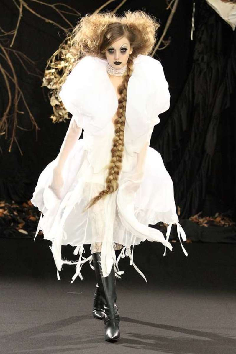Extraordinary Gothic Fashion of Yasutaka Funakoshi