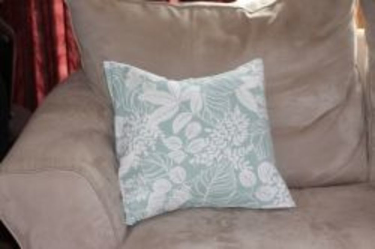 Simple Sewing Projects - Easy Pillow Cover