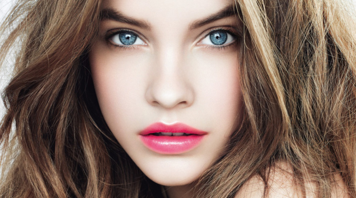 Stunning rich colours from L'Oreal's Caresse lipstick range