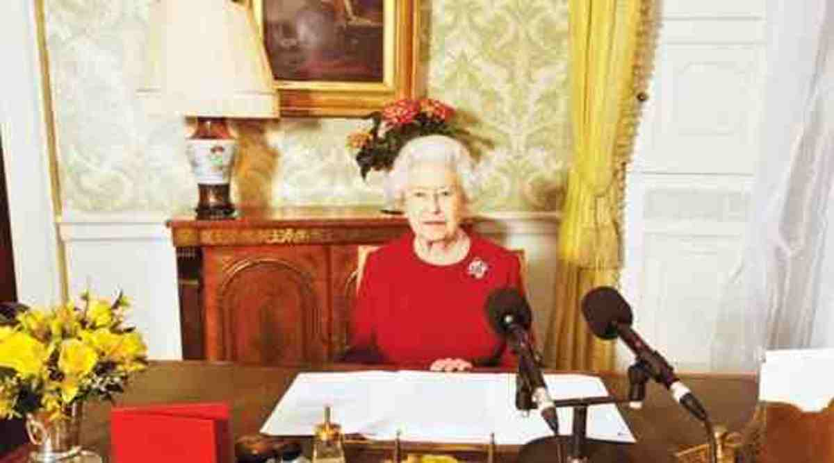 The Queen continues to work at her desk everyday. Public Domain